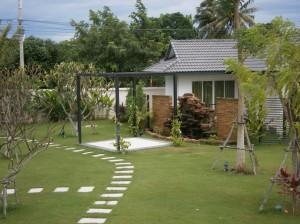 De tuin en het personeelshuis